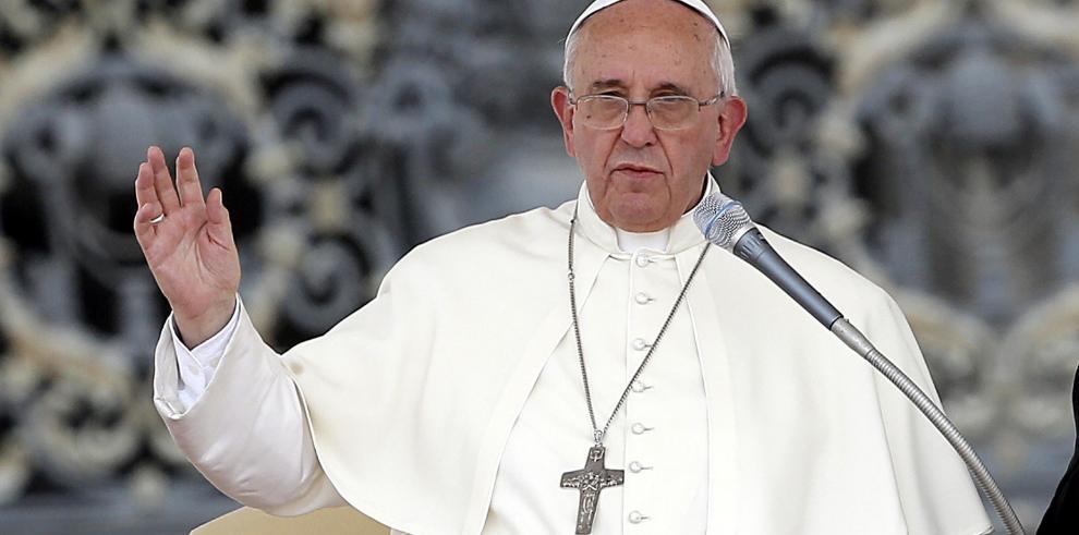 Francisco denuncia la corrupción