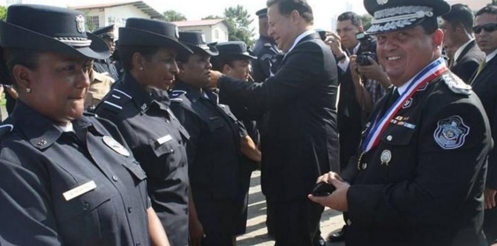 Nuevos ascensos de rango en la Policía