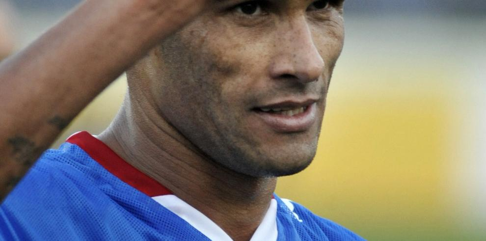 Rivaldo anuncia su retiro oficialmente