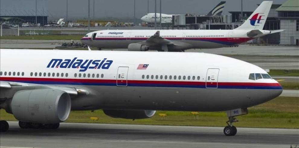 Australia aumenta ayuda en operativos para buscar avión desaparecido