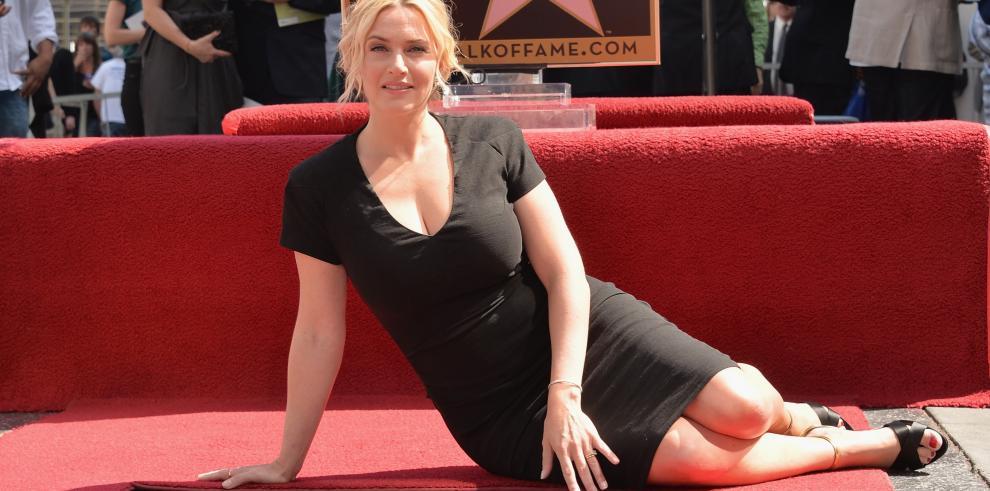 Kate Winslet recibe su estrella en el Paseo de la Fama de Hollywood