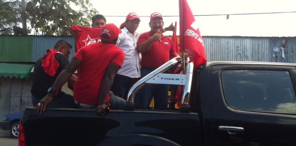 Genaro López presenta plan en Bocas