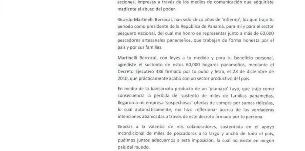 De Santics acusa a Ricardo Martinelli
