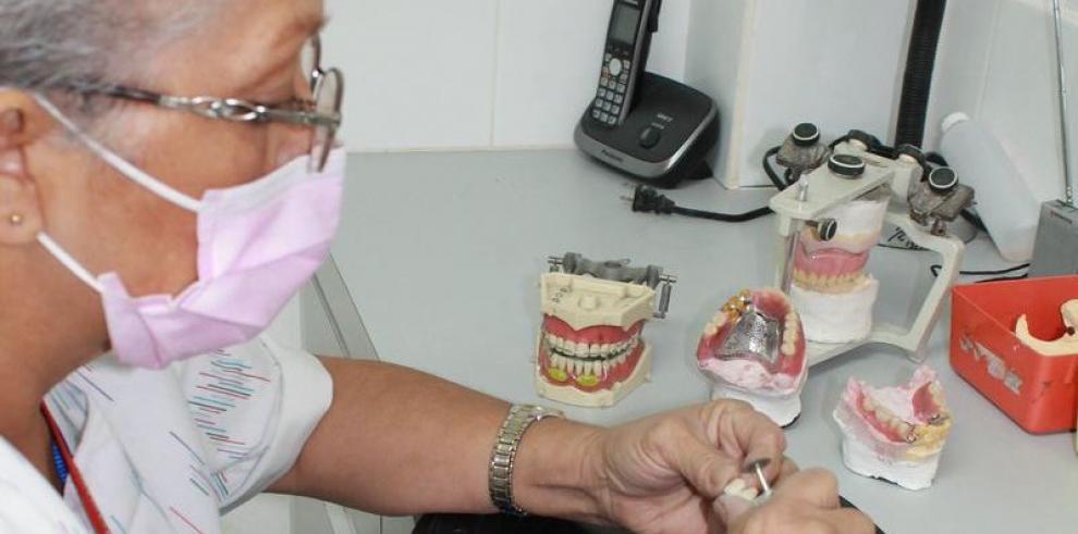 31 mil 115 personas se atendieron en las clínicas odontológicas