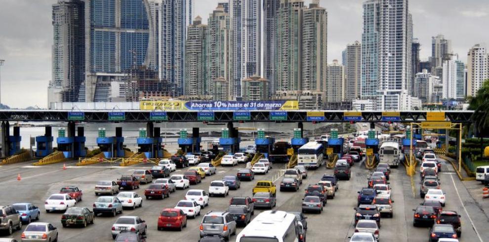 Acelerado crecimiento vehicular contamina el aire de la ciudad