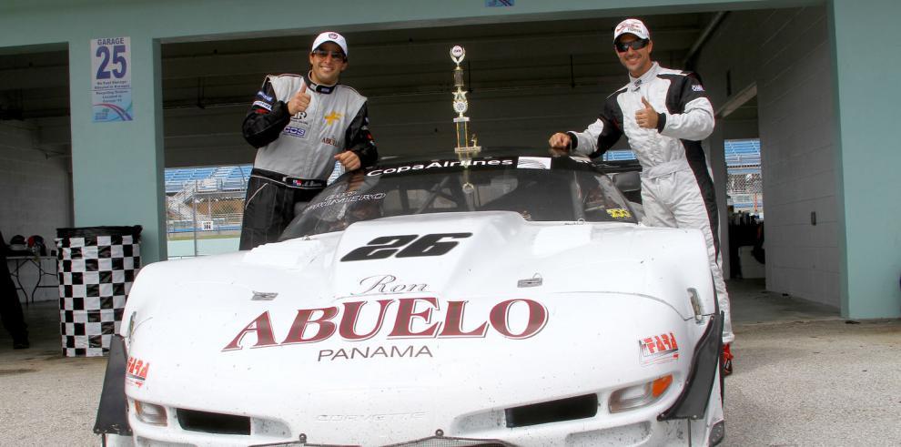 Pilotos panameños saldrán a conquistar la pista en Miami