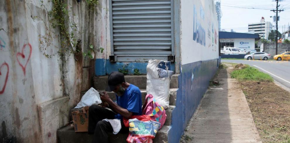 Indigencia: Cuando se vive con el suelo por cama y el cielo por techo