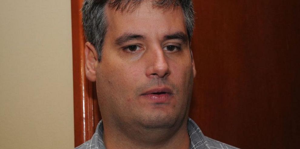 Tamburrelli tramitó compra de equipo para espionaje político