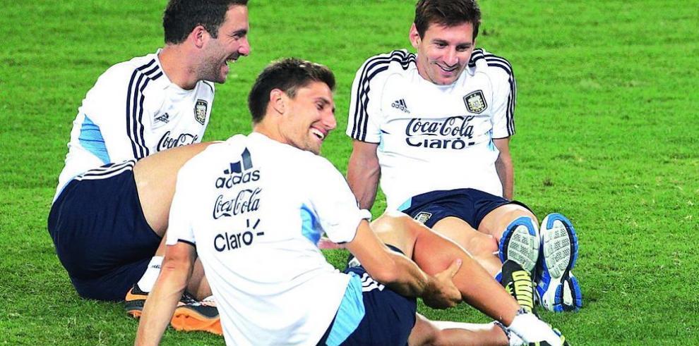 Argentina saldrá a atacar a Brasil, promete Martino