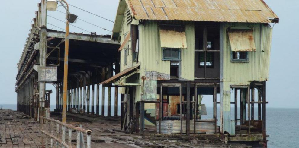 Gobierno reconstruirá puerto de Armuelles