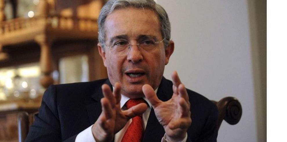 Uribe denunció a canal de TV ante la Fiscalía