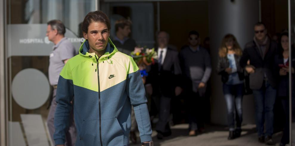 Rafael Nadal sale de hospital tras operación