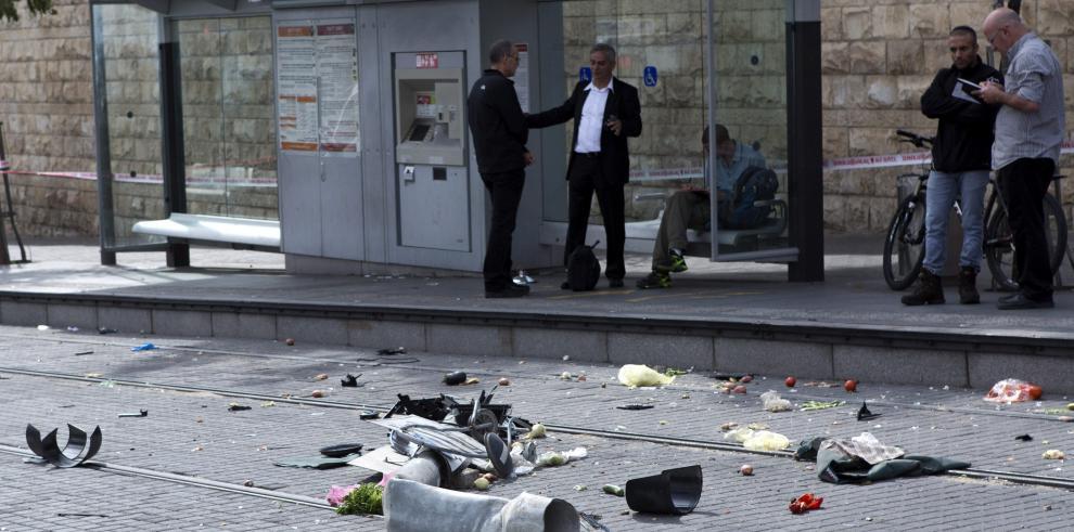 Jerusalén, sacudida por la violencia tras ataque con coche y graves disturbios