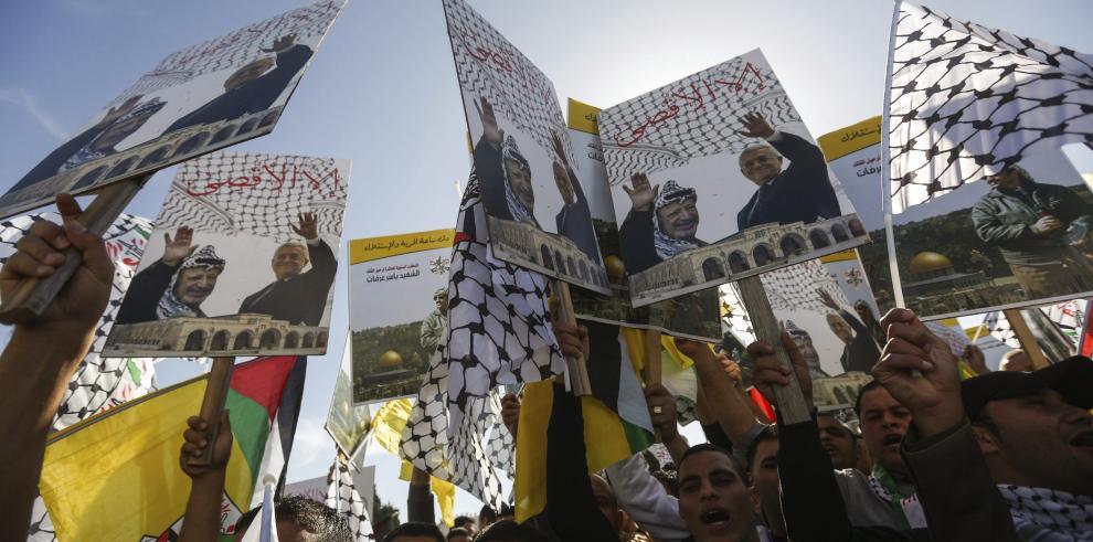 La doble sombra de Yaser Arafat