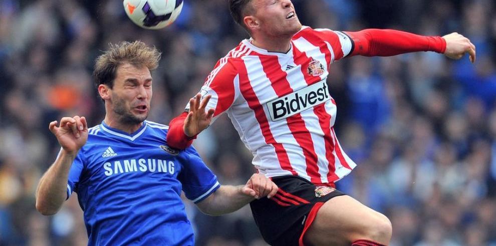 Chelsea cae y se aleja del campeonato