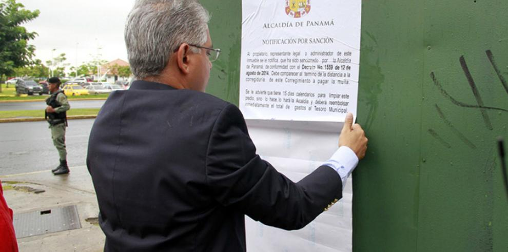 258 multas ha impuesto la Alcaldía de Panamá a dueños de lotes baldíos