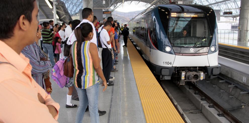 Rayo afectó funcionamiento del Metro por espacio de media hora
