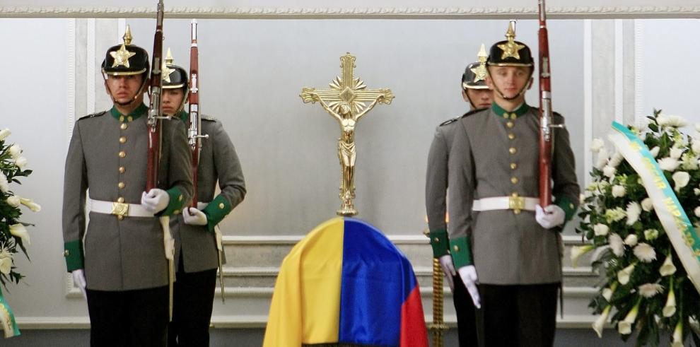 Virus en Guardia Presidencial colombiana mata a uno, hay 19 infectados