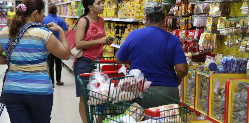 Aceite vegetal, plátano, ñame, corvina y azúcar incrementan su precio