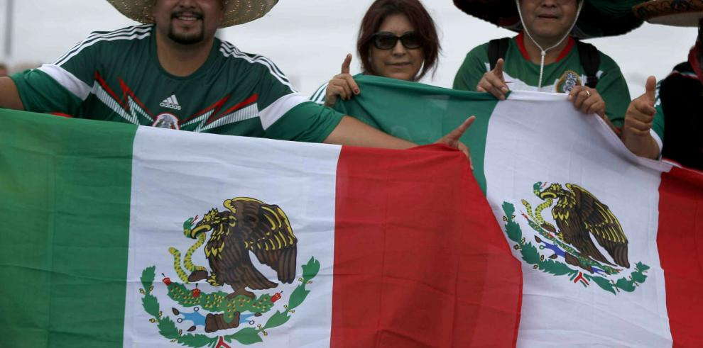 FIFA investiga a hinchas mexicanos por agresión homofóbica