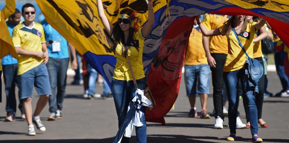 Las bellezas colombianas en el partido contra Costa de Marfil