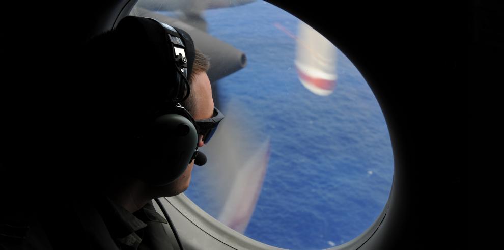 Reanudan búsqueda de avión malasio sin detección acústica en últimas 24 horas