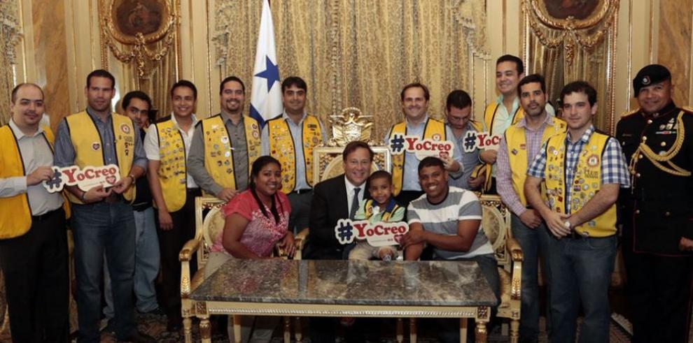 Niño Símbolo visitó la presidencia