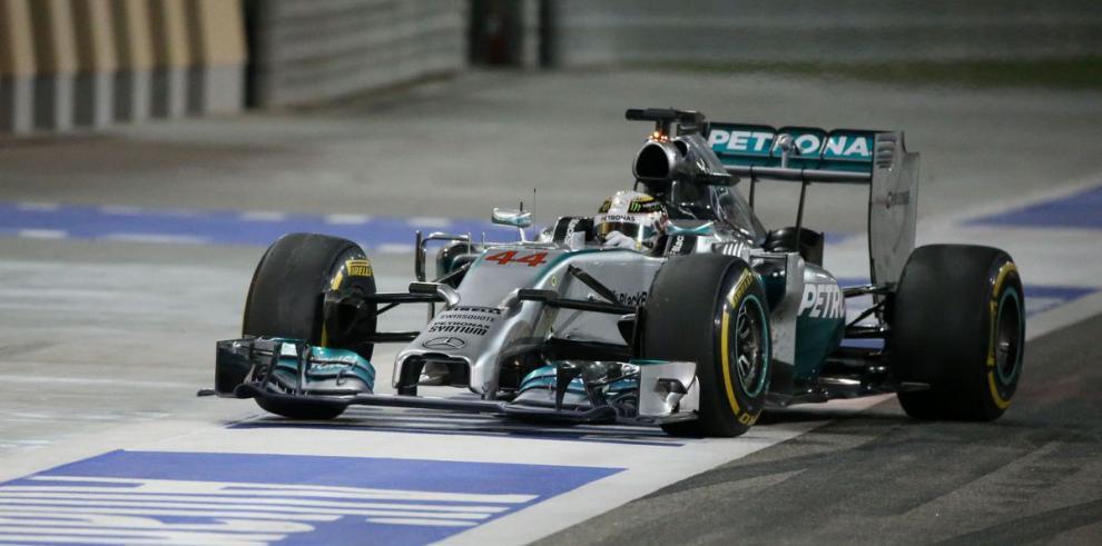 LewisHamilton se consagra en Gran Premio de Bahrein de Fórmula Uno