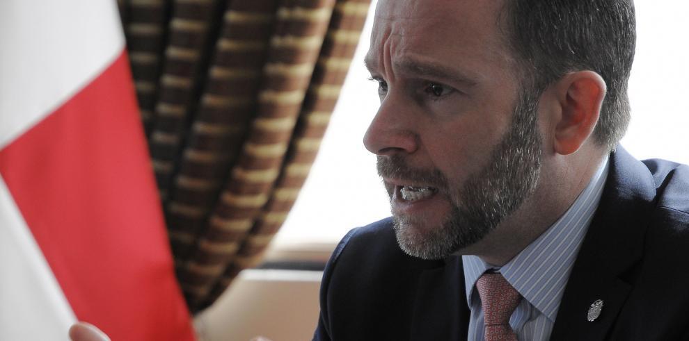 Canciller Álvarez de Soto hablará ante la OEA y visitará Canadá