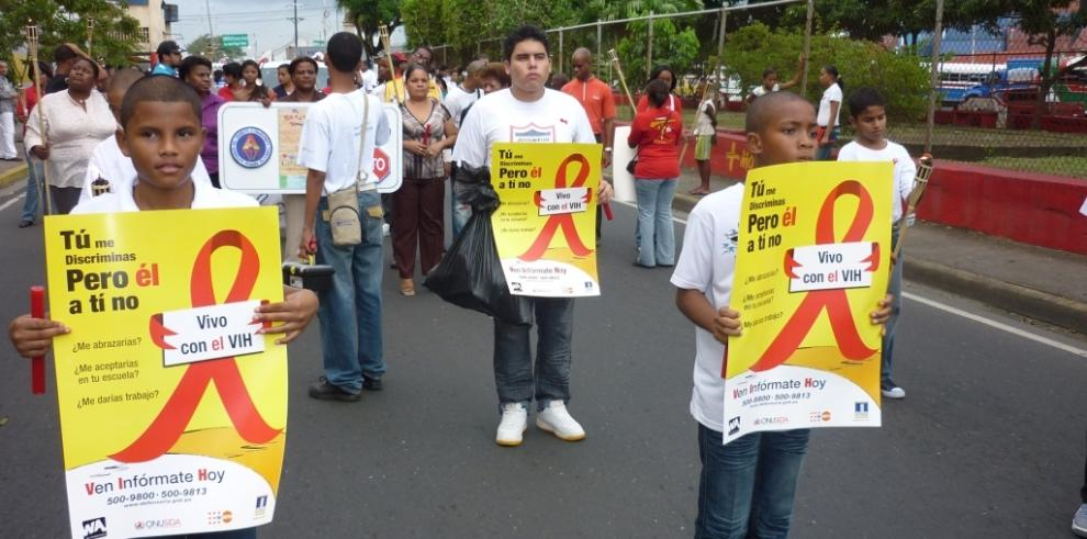 Panameños realizan caminatas contra el VIH-SIDA