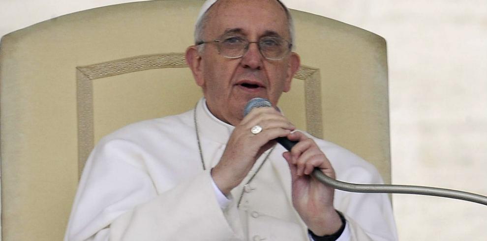 PapaFrancisco denuncia el
