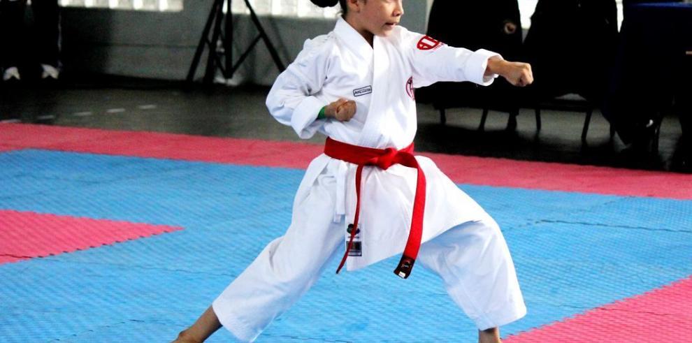 Nuevos valores del karate en el Abierto de Panamá