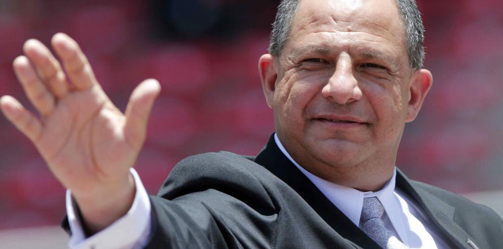 Twitter elimina perfil falso de presidente de Costa Rica
