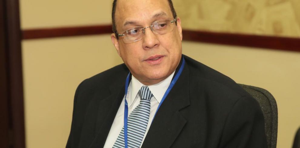 'Contratos de la Ciudad Hospitalaria requieren una revisión integral'
