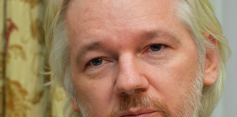 Assange anunció pronta salida de embajada ecuatoriana