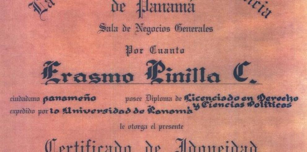 Magistrado Pinilla presenta su título de idoneidad tras supuesto ataque