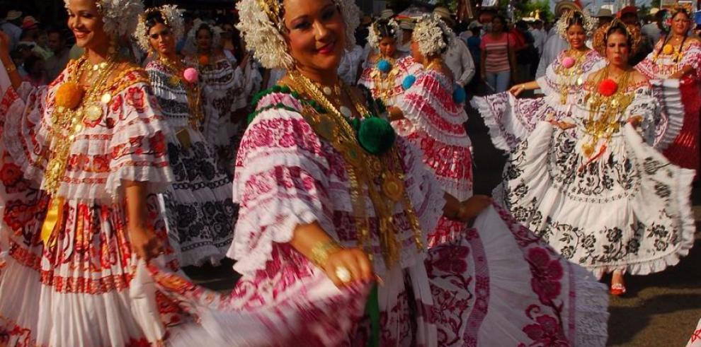 Desfile de Mil Polleras será el 10 de enero