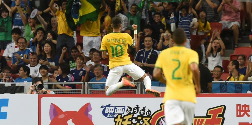 Cuatro tantos de Neymar en goleada de Brasil a Japón en Singapur