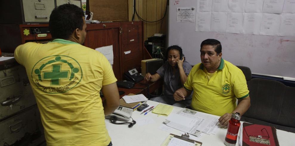 El Salvador descarta tsunami por terremoto
