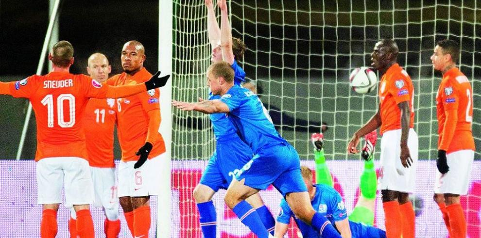 Islandia sorprende a Holanda y suma un triunfo histórico