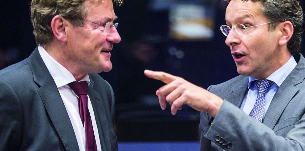 Ministros de la Eurozona debaten sobre crisis y deuda