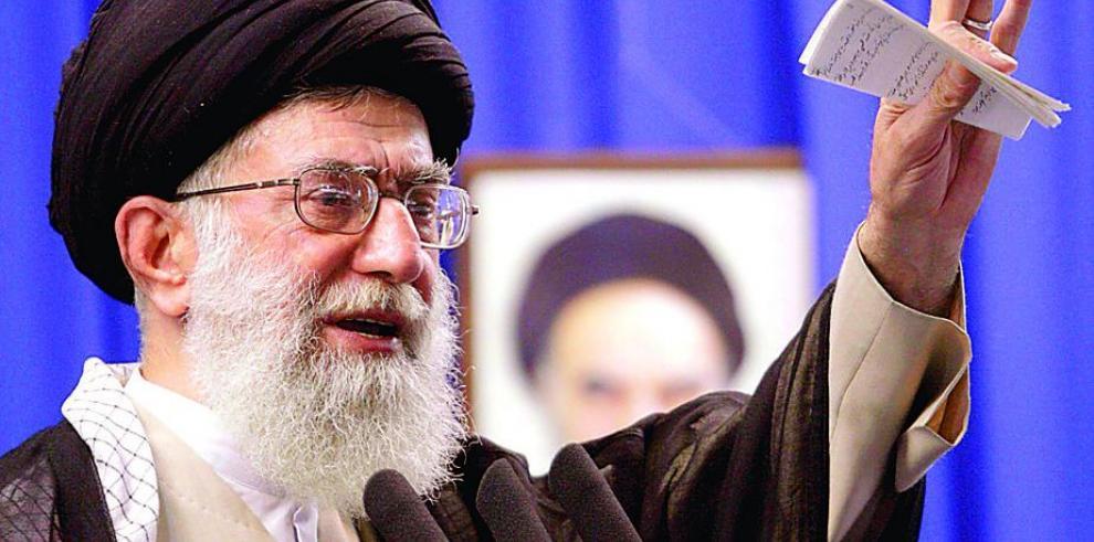 Líder iraní acusa a EEUU, Israel y Reino Unido de crear el EI