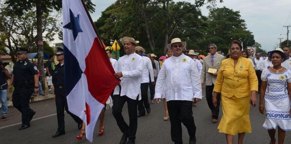 Reglamentan desfiles en Panamá Oeste