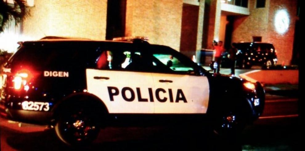 Policía Nacional llega a la residencia del magistrado Moncada Luna