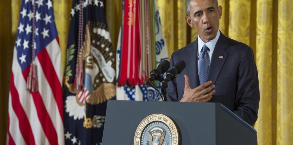 Obama confiesa que le rechazaron su tarjeta de crédito