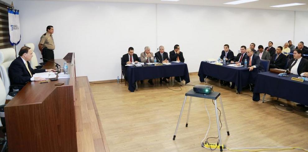TE realiza audiencia contra alcalde electo de Santiago