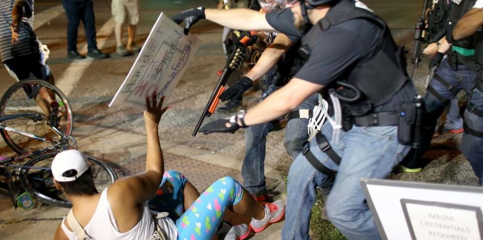 Protestas en Ferguson dejan seis heridos de bala