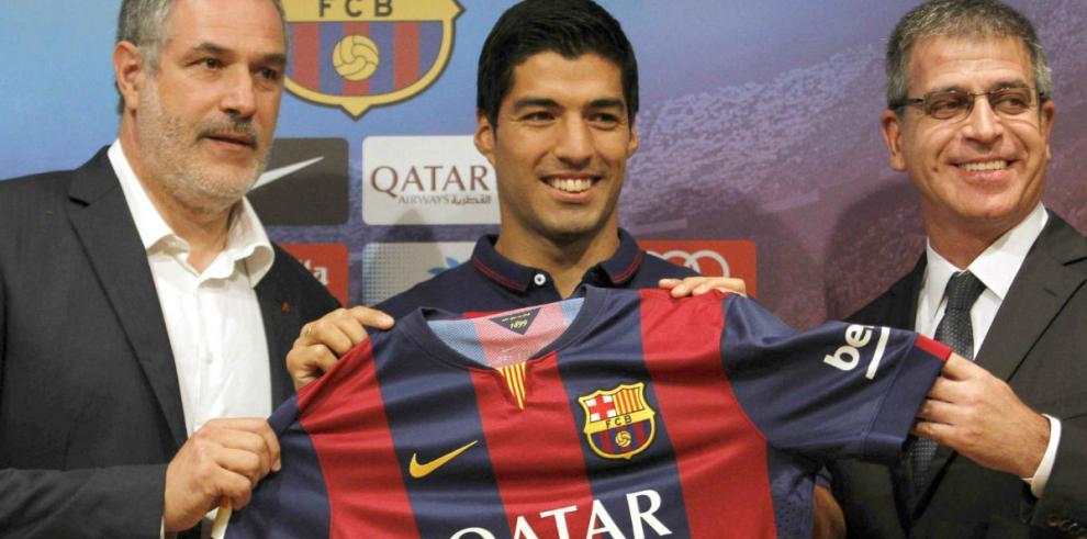 Barcelona no podrá fichar jugadores hasta el 2016 por sanción de Fifa