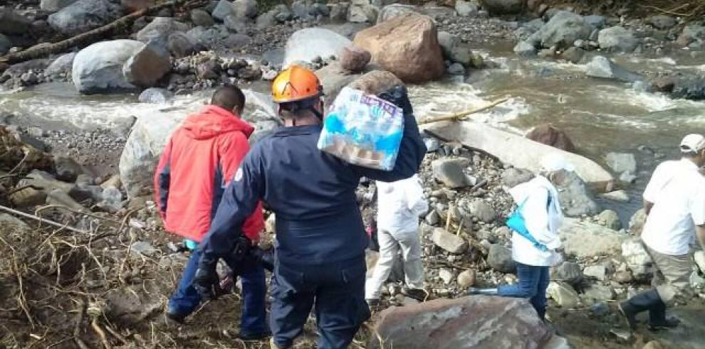 Rescatistas intensifican búsqueda de niño desaparecido tras lluvias