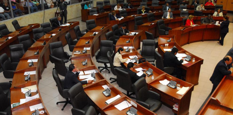 Descuento para los diputados que no asistan a las sesiones plenarias